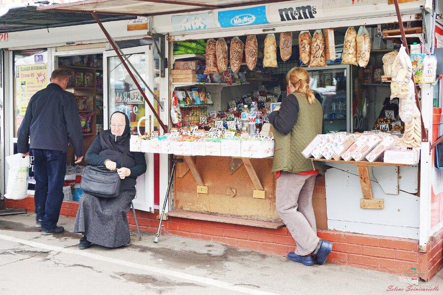 banco di dolciumi mercato di chisinau