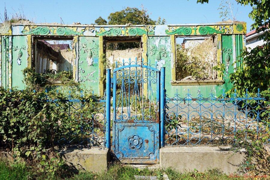 vecchia casa abbandonata sulla collina degli zingari di soroca