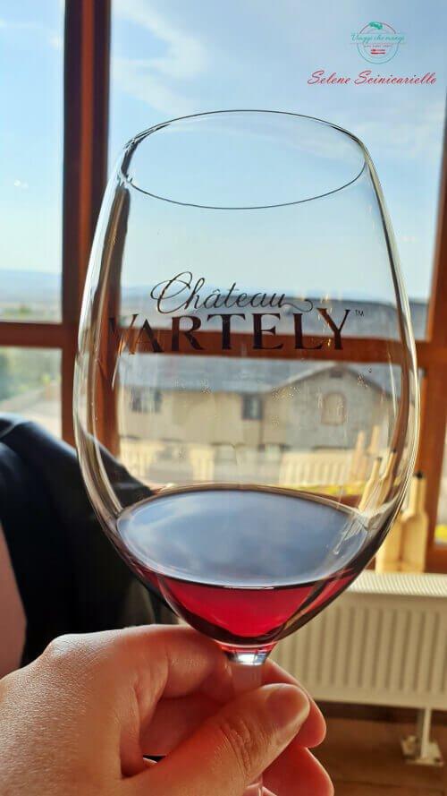 vino rosso Chateau Vartely.