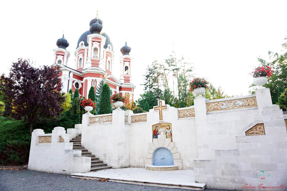 cosa vedere in moldavia: monastero curchi