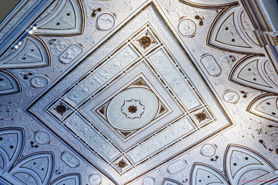 stucchi dei soffitti della villa reale di monza