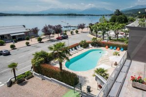 piscina dell'hotel royal a viverone