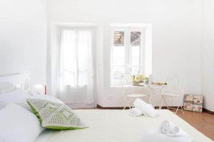 stanza del rose suite apartments a roppolo