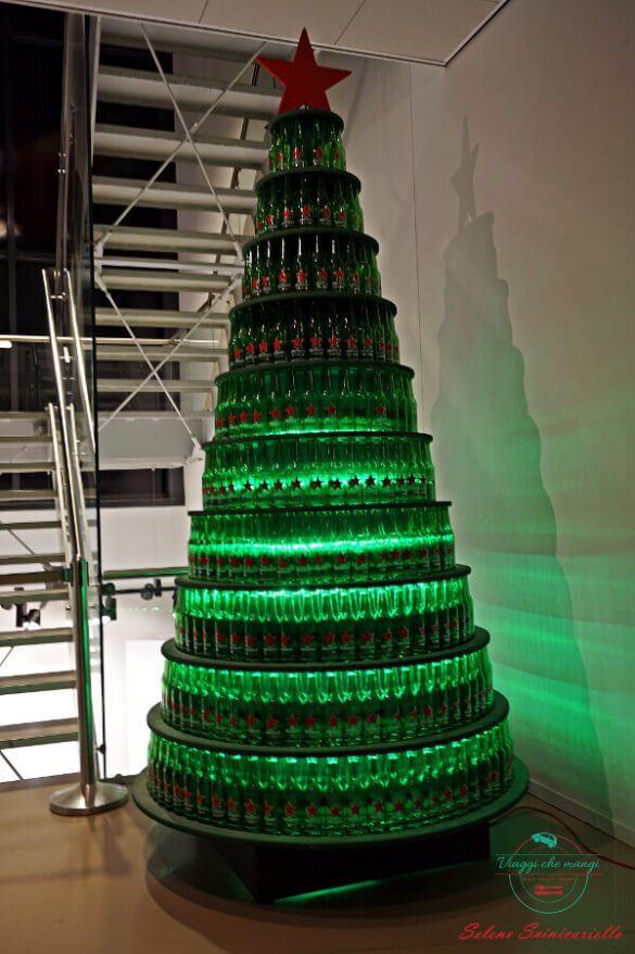 Albero di Natale all'Heineken Experience, Amsterdam.
