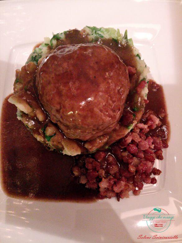 lo stamppot è il piatto perfetto da mangiare ad amsterdam in inverno.