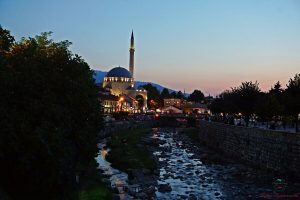 tramonto a prizren sulla moschea sinan pasha