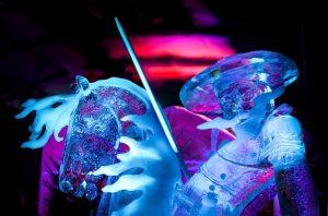 scultura di ghiaccio simile a quelle del festival di zwolle che si tiene in olanda in inverno