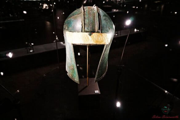 elmo conservato al museo archeologico di skopje