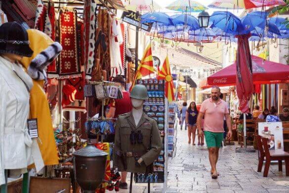 negozi di souvenir nel centro storico di skopje