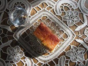 Ravanija, dolce tipico della macedonia e dei balcani. Tashkoskim [CC BY-SA (https://creativecommons.org/licenses/by-sa/4.0)]