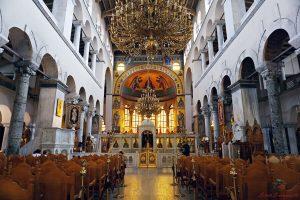 interno della chiesa di agio dimitros a salonicco