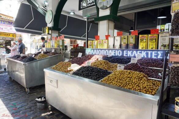 olive al mercato di kapani di salonicco