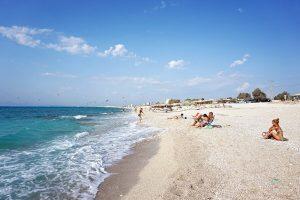 Agios Ioannis è la spiaggia di lefkada preferita dai surfisti