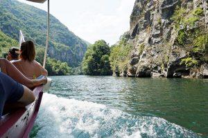 giro in barca al matka canyon