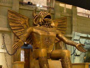 statua del dio moloch nel museo nazionale del cinema di torino. Stella / CC BY-SA (https://creativecommons.org/licenses/by-sa/4.0)
