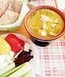la bagna cauda è uno dei piatti da assaggiare durante un food tour di torino