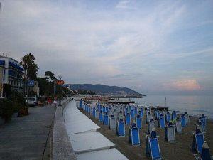 Lungomare di Diano Marina. Tony Frisina at Italian Wikipedia / Public domain