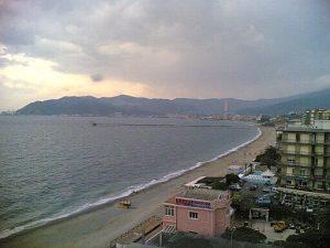 spiaggia delle fornaci a savona. Nordovest / CC BY-SA (https://creativecommons.org/licenses/by-sa/3.0)