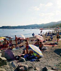 spiaggia di varazze nella riviera ligure di ponente