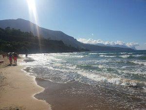 spiaggia a castellammare del golfo. Daniele Pugliesi / CC BY-SA (https://creativecommons.org/licenses/by-sa/4.0)