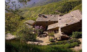 Casa nel bosco a Cortona, Toscana.
