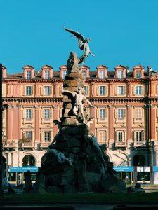 Monumento frejus piazza statuto torino, uno dei luoghi esoterici di torino