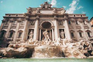 fontana di trevi, da non perdere per visitare roma in un giorno