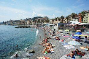 spiaggia di pegli, una delle migliori dove andare al mare a genova