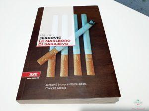 copertina di Le Marlboro di Sarajevo di Jergovic, uno dei libri sulla guerra in Jugoslavia da leggere