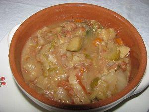 ribollita, uno dei piatti tipici toscani invernali. Ithunn, CC BY-SA 3.0 , via Wikimedia Commons