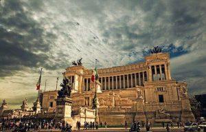 vittoriano, altare della patria, da non perdere in un itinerario per visitare roma in un giorno