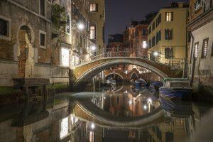 scorcio notturno da vedere a venezia gratis