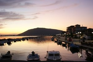 lefkada town al tramonto