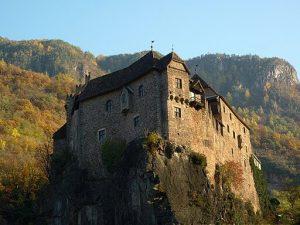 Castel Roncolo, bolzano. Fabrizio Rocca, CC BY-SA 3.0 , via Wikimedia Commons