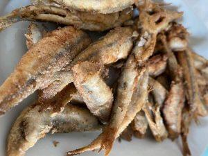 alici fritti da assaggiare a sperlonga nel lazio durante un viaggio enogastronomico in italia in estate. ©24hours trotter