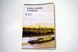 è oriente di paolo rumiz, copertina di uno dei migliori libri di viaggi on the road