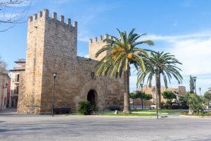 porta di alcudia, una delle località migliori dove alloggiare a maiorca