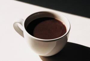 cioccolata calda. Photo by Jocelyn Morales on Unsplash