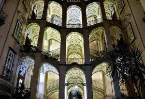 facciata di palazzo dello spagnuolo. Giuseppe Guida, CC BY-SA 4.0 , via Wikimedia Commons