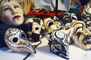 cosa comprare a venezia: maschere di carnevale